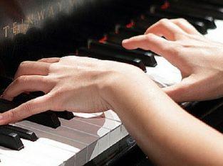 تدریس پیانو موسیقی عرفان نادریان